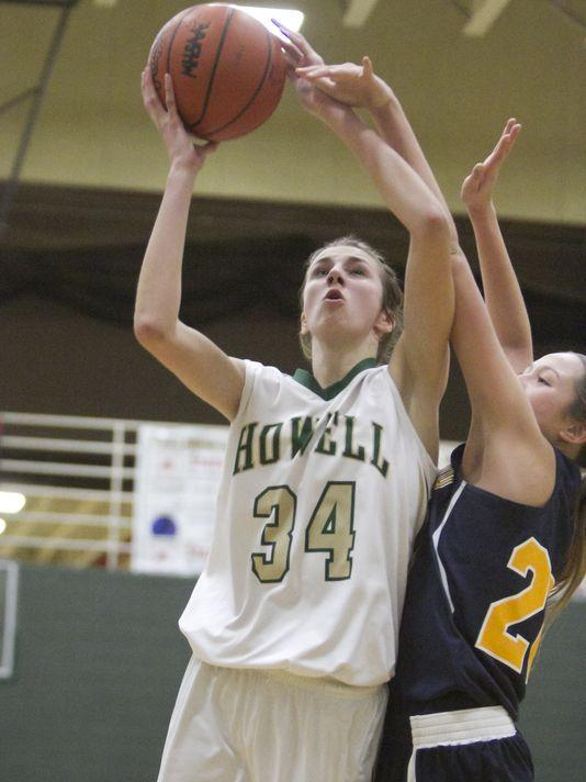 Erin Honkala attacks the hoop in Howell's first matchup versus Hartland