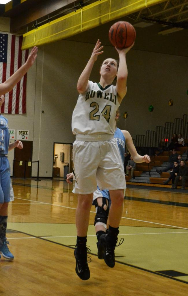 Leah Weslock drives to the hoop late in the second half ; Howell earned a, 42-27, win at home over Mott