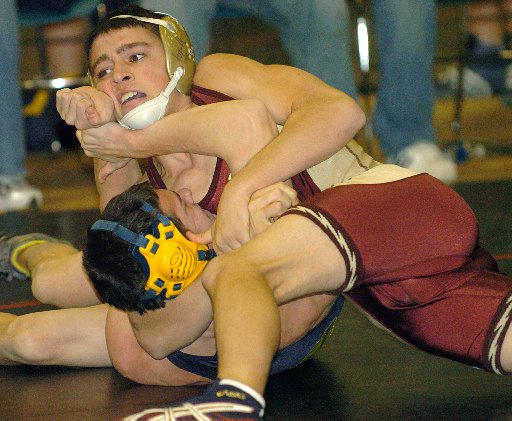 Ypsilanti Wrestlers Second In Pool Dexter Wins Third Place Match At Pinckney Event Mlive Com