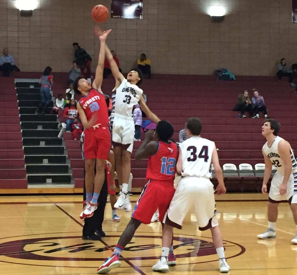 Everett vs okemos jump ball okemos high school