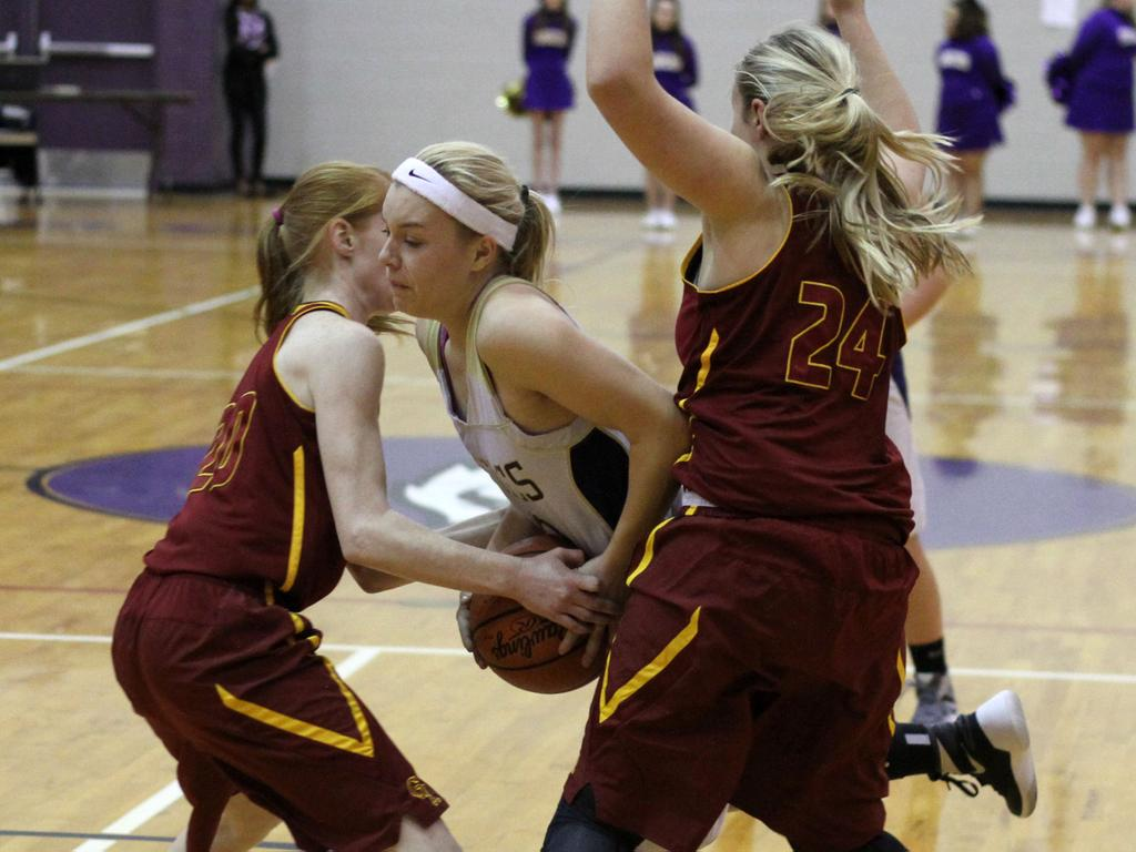 Behind Lydia Goble's 18 points, Schoolcraft girls basketball team rallies for 41-36 victory over Galesburg-Augusta