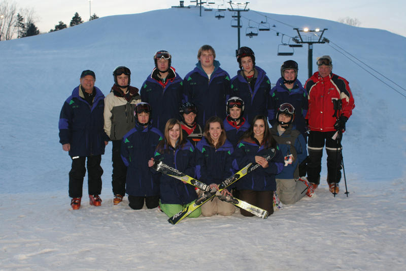 Girls Skiing Saginaw Heritage