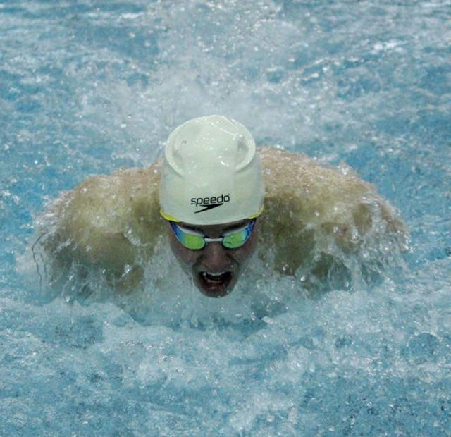 Northampton Swimmers Johnny Williams Nick Whitcomb To Represent Hampshire Regional Ymca At Long
