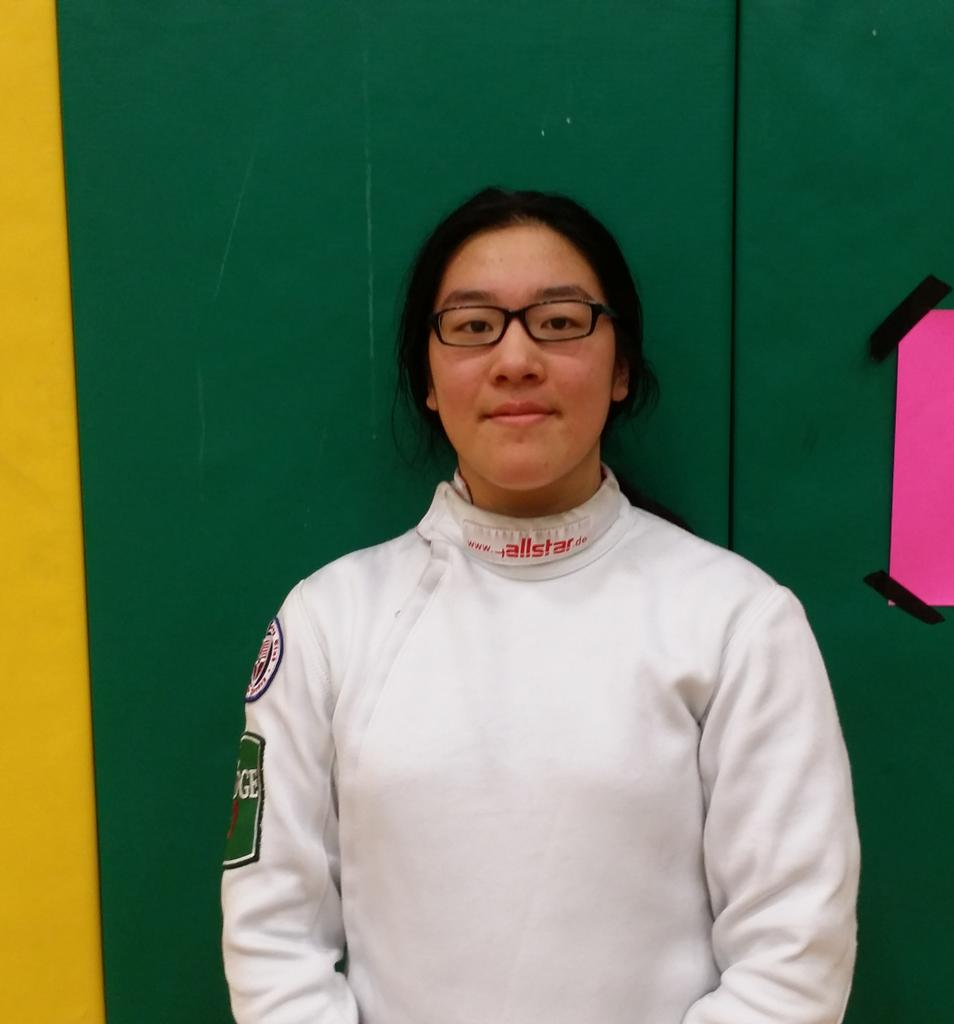 Girls Fencing Lee Ann Choy Of Ridge Is The 2014 2015