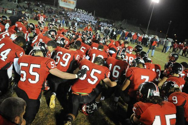 Easton football team looking to bounce back against Phillipsburg after crushing loss in district championship