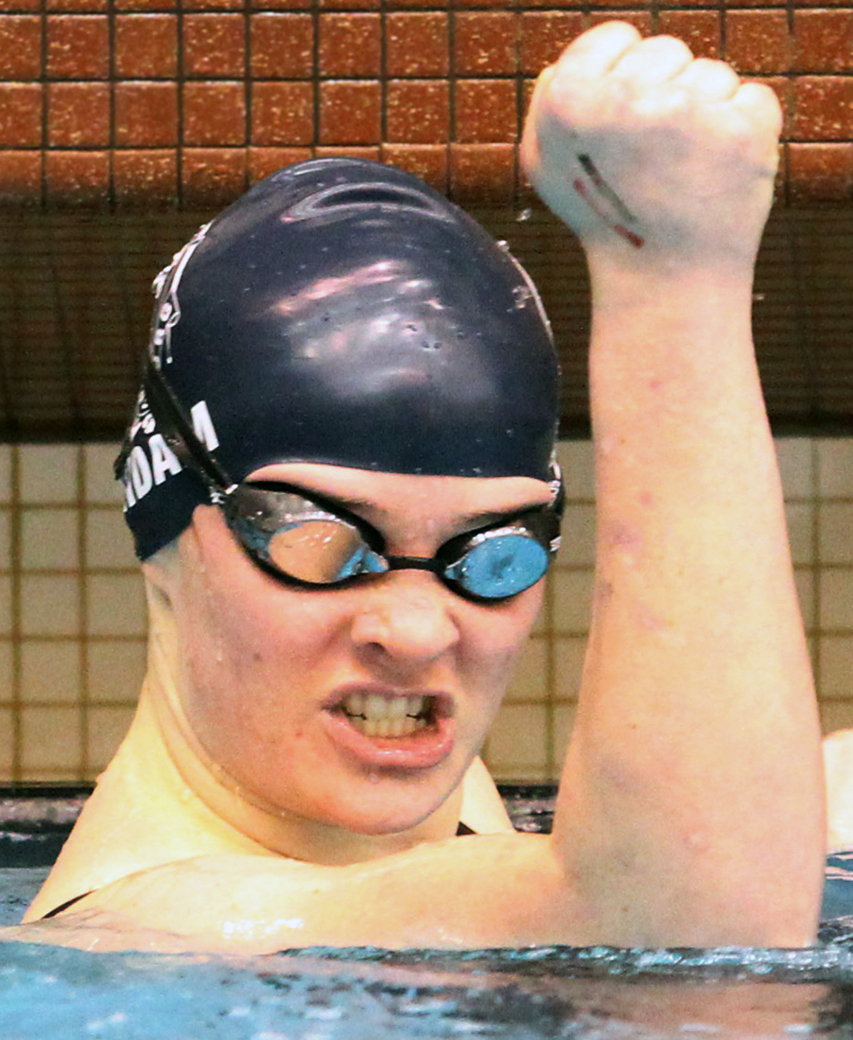Hudson strongsville excel at ne ohio conference swim championships for Cleveland high school swimming pool