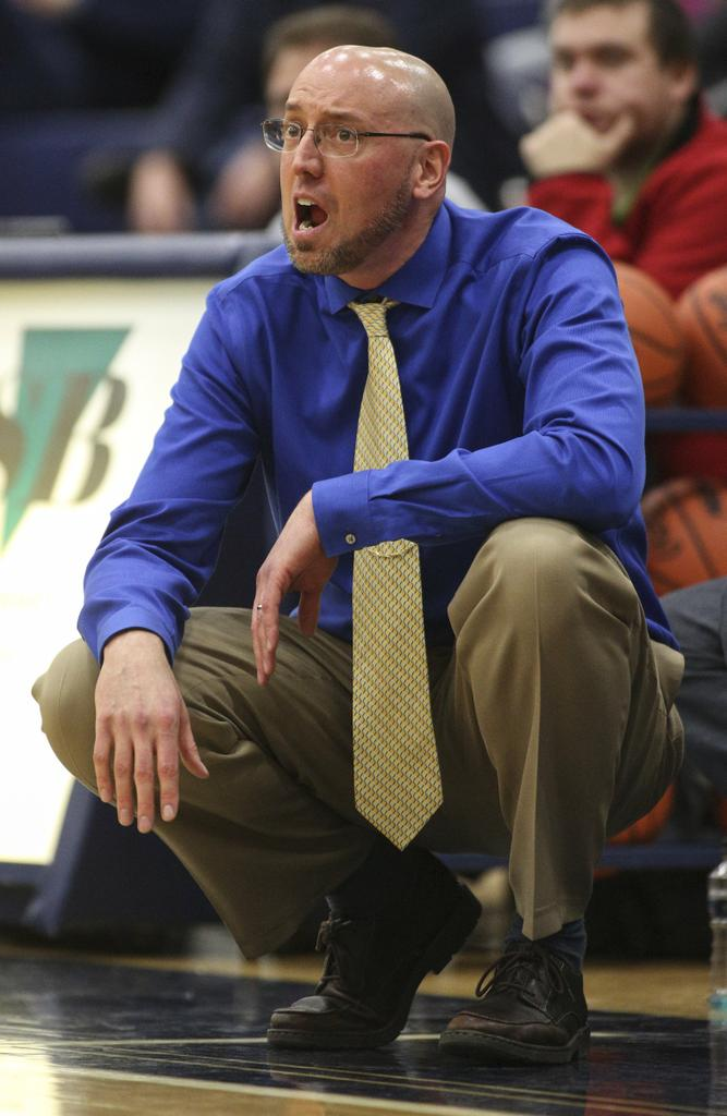 Basketball coaches step down at Mona Shores; Kurth looking for college opportunity