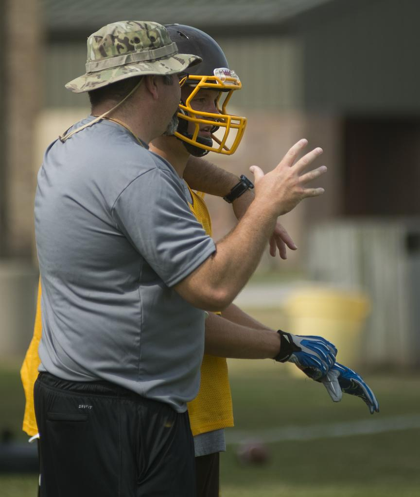 Warriors Rise To Glory Türkçe Indir: Jeff Rahl Resigns As Head Football Coach At Bay City