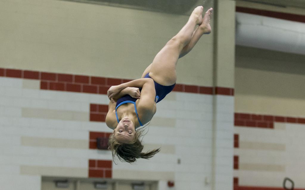 Wilson's Mary Warker secures third-straight District 3 Class 3A diving gold