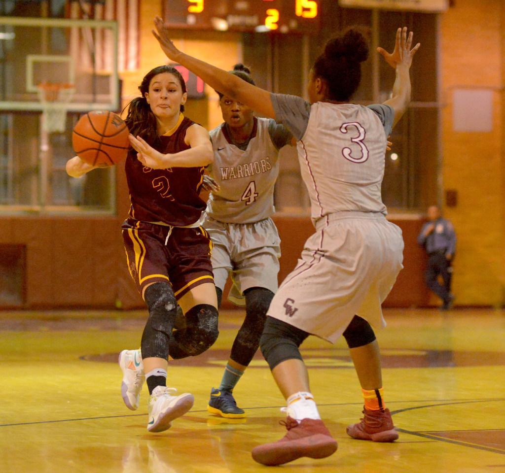 Explosive fourth quarter sends SIA girls\' basketball team to 77-68 ...