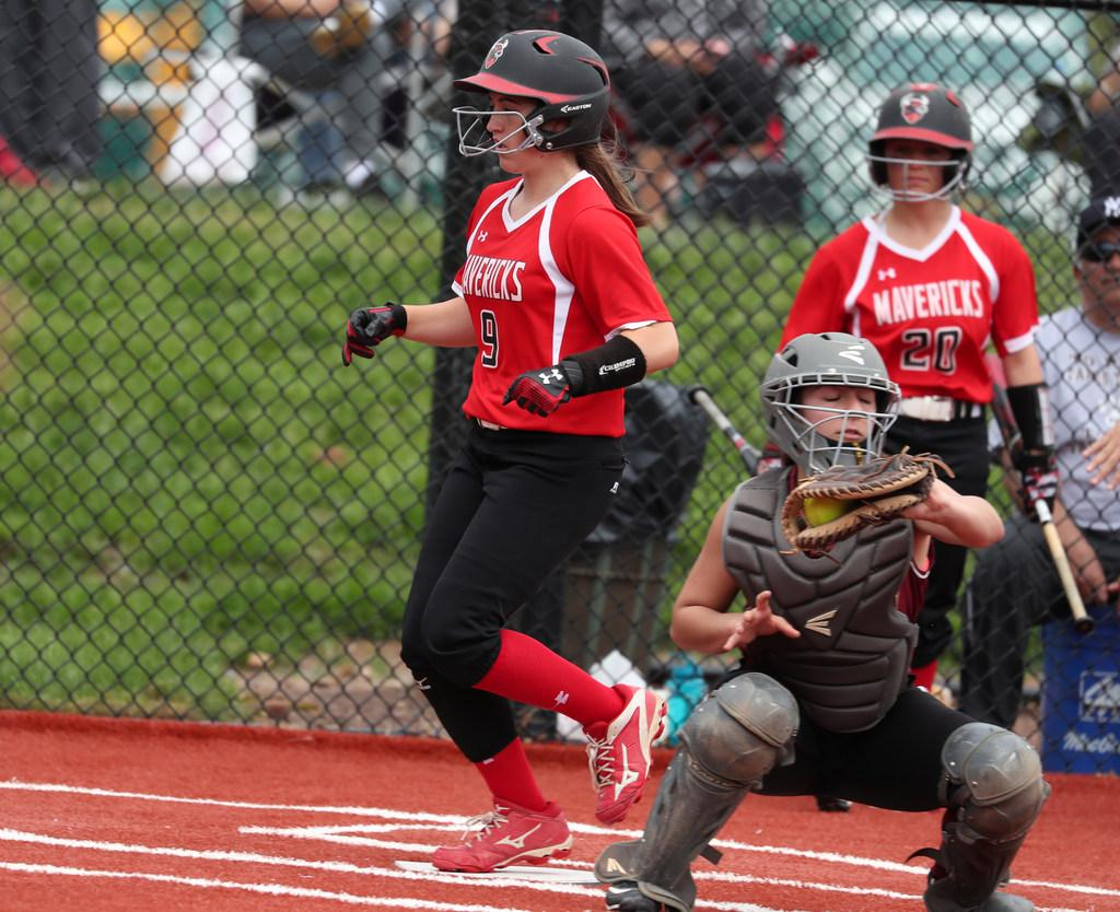 First-inning eruption vaults Moore Catholic back to Archdiocesan softball final