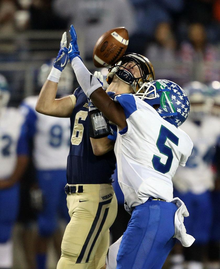 Cleveland high school football cleveland garrett houser grabs one last chance to help archbishop hoban before joining navy football fandeluxe Gallery
